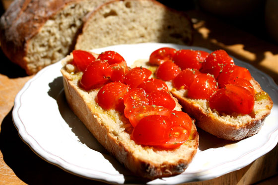 Bread-and-Cherry-Tomatoes
