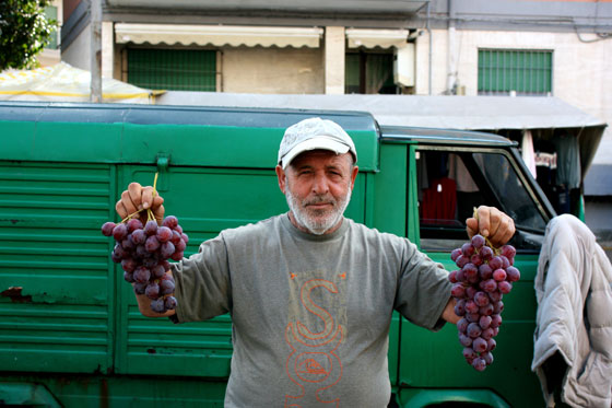 Grape-Seller