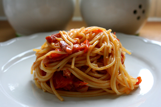 Spaghetti-with-Pancetta-and-Cherry-Tomatoes